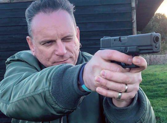 Umarex Glock 19   CO2 Pistol Reviews   Gun Mart